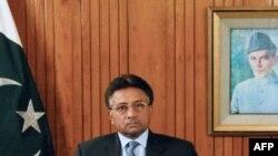 Пәкістан президенті Первез Мушарраф ұлттық телеарнадан сөйлеп, биліктен кететінін жариялады. 18 тамыз, 2008 жыл, Исламабад, Пәкістан.