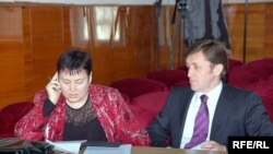 Valentina Ursu și Iurie Ciocan (CEC) în aprilie 2009