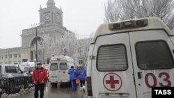 Амбулантни возила на железничката станица во Волгоград