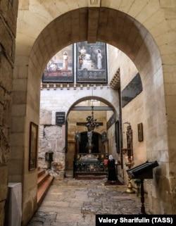 Єрусалим. Поріг Судних воріт в Олександрівському подвір'ї