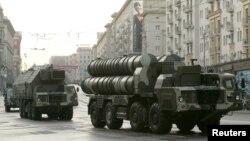 Ռուսական արտադրության զինտեխնիկան Մոսկվայում զորահանդեսի փորձի ժամանակ, արխիվ