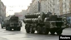 Автомобили с российскими ракетными комплексами. Иллюстративное фото.