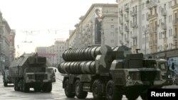 Зенитно-ракетные комплексы С-300.