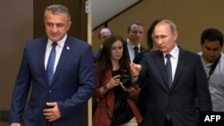 C рабочим визитом югоосетинский президент бывал в России не раз