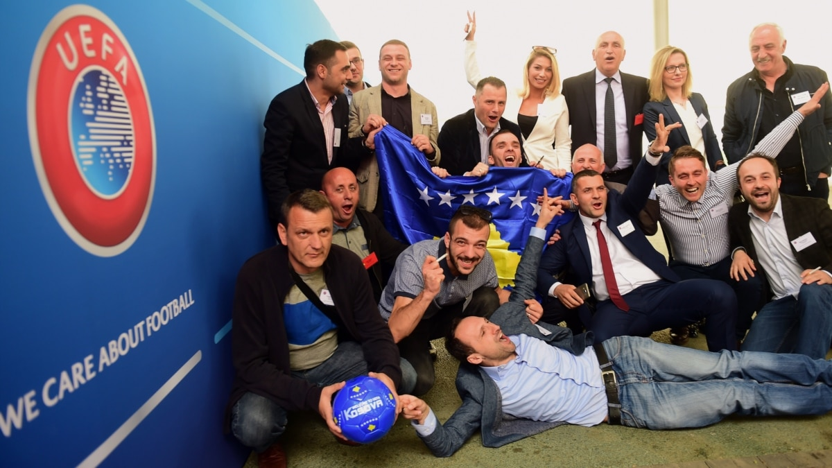 REPUBLIC OF SERBIA FLAG NECKTIE NEW TIE SERBIAN FLAG SERBS CLUB EUROPE FOOTBALL