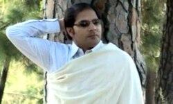 کرن خان د خپل نوي البم ((تصویر)) په اړه غږېږي