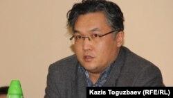 Расул Жумалы, политолог. Алматы, 24 декабря 2014 года.