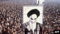 Tehran mitinqlərindən biri (1979)