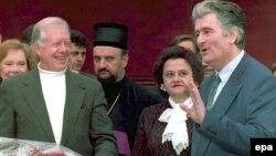 Lider bosanskih Srba,. Radovan Karadžić i američki diplomat Jimmy Carter na pregovorima na Palama, 1994.