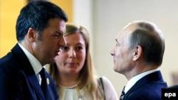 İtaliya baş naziri Matteo Renzi və Rusiya prezidenti Vladimir Putin.