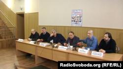 Російська труппа, що гастролює в окупованих Донецьку і Луганську. Третій ліворуч Панкратов-Чорний