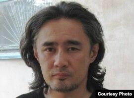 Оппозицияшыл белсенді Айдос Садықов. Ақтөбе, 16 шілде 2010 жыл