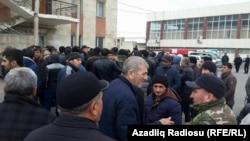 Азербайжанда баалардын кескин жогорулашына байланыштуу нааразылык чыккан.