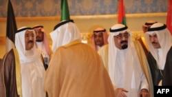ملک عبدالله (نفر دوم از راست) پادشاه عربستان