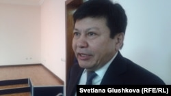 Канат Тасибеков, автор книги «Ситуативный казахский. Диалоги». Астана, 23 января 2015 года.