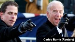Joe Biden și fiul său Hunter la învestitura lui Barack Obama, Washington, 20 ianuarie 2009. Republicanii vor o anchetă asupra afacerilor lui Hunter Biden în Ucraina.