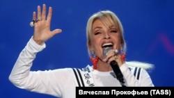 Эстрадная певица из Латвии Лайма Вайкуле на закрытии конкурса «Новая волна». Сочи, сентярбь 2017 года.