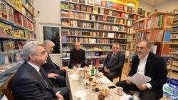 Սերժ Սարգսյանն աննախադեպ հանդիպում է ունեցել գրահրատարակիչների հետ