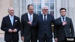 Главы МИД Франции, России, Германии и Украины на переговорах в Берлине об урегулировании в Донбассе. Ноябрь, 2015 года. Иллюстративное фото.