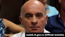 Sudaq şeer memuriyeti yolbaşçısınıñ vazifesini eda etken Emirsali Ablâlimov