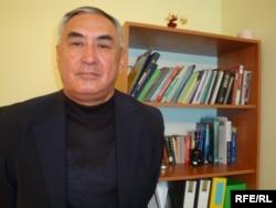«Каспий табиғаты» үкіметтік емес ұйымының жетекшісі Махамбет Хакімов.