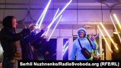 Боксер Усик повернувся в Україну (фоторепортаж)