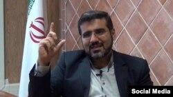 وزیر پیشنهادی فرهنگ و ارشاد اسلامی به نهادهای صنفی فرهنگی و هنری ایران به شدت حمله کرده و از جمله خانه موسیقی را «مهمترین مرکز تولید بحران» دانسته است