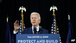 """U.S. presidential candidate Joe Biden says Russians are trying to """"delegitimize our electoral process."""" (file photo)"""