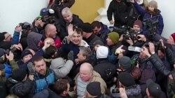 Звільнення Міхеїла Саакашвілі з автомобіля силовиків (відео)