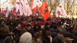 Тисячі людей вийшли на акцію пам'яті Бориса Нємцова у Москві (відео)