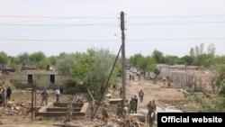 Сардоба тошқинида вайрон бўлган аҳоли пункти, 2 май, 2020, Сардоба, Сирдарё.