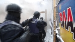 Police Raid Protest Camp In Kyiv, Detain Dozens