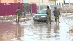 Талые воды снова топят поселок близ столицы