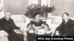 Mihail Ostrovski (stânga) la o întrevedere cu Nicolae Titulescu