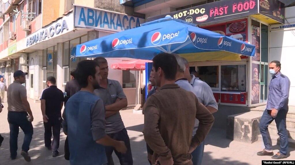 У одной из авиакасс в Душанбе