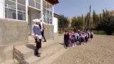 Алтымыштай окуучу төрт бөлмө үйдө окуп жатат