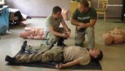 Волонтери проводять курси з тактичної медицини для мобілізованих лікарів
