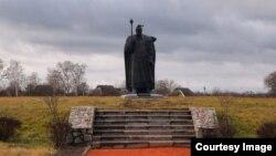 У липні 2021 року в Україні відзначають 330-річчя Петра Калнишевського. На фото – пам'ятник Калнишевському у Пустовійтівці Сумської області