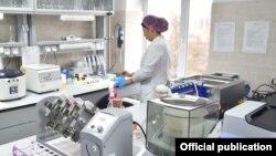 Коронавирусту аныктаган лаборатория. Бишкек. Сентябрь, 2020-жыл.