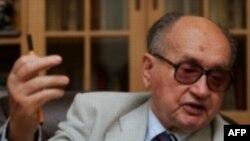 Институт национальной памяти Польши обещает лишить покоя бывшего лидера страны