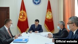 Президент Садыр Жапаров 4 февраля принял председателя Национального банка Толкунбека Абдыгулова.