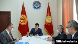Президент Садыр Жапаров Улуттук банктын төрагасы Толкунбек Абдыгуловду кабыл алды.