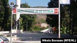 Transparent sa porukom protiv ustoličenja Joanikija na Cetinju, Danilovgrad (19. avgust 2021.)