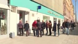 Moskvada valyutadəyişmə məntəqələrində sıra yaranıb