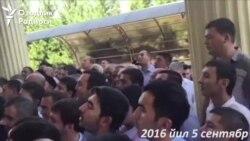 Өзбекстан: Каримовго куран окутканы келгендер кафеге кирге албады