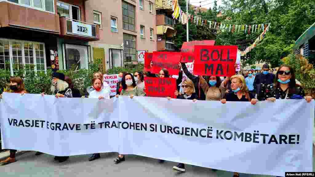 Deri në qershor të vitit 2021, sipas Policisë së Kosovës, u shënuan dy raste të vrasjes së grave, ndërsa në vitin 2020 ishin vrarë shtatë gra.