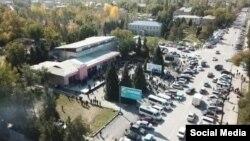 Митинг в городе Кербене 7 октября, Аксыйский район. Фото из Интернета.
