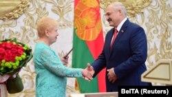 Минскиде Александр Лукашенконун инаугурациясы жабык өтүп, чектелүү сандагы гана киши катышты. 23-сентябрь, 2020-жыл.