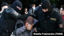 Задержание на акции протеста в Минске, 10 августа 2020 года