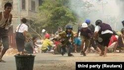 Активісти вважають, що 320 загиблих – це лише задокументовані випадки, а фактична кількість жертв «набагато більша»